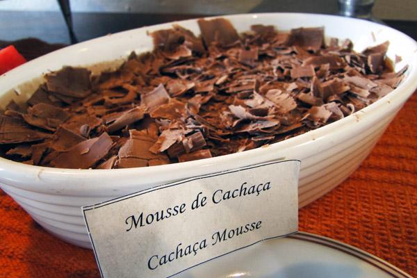 A sobremesa que mais amei no final de semana: mousse de chocolate com cachaça