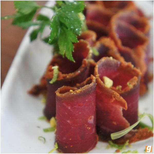 Basterma: tradicional, e deliciosa, carne curada com especiarias