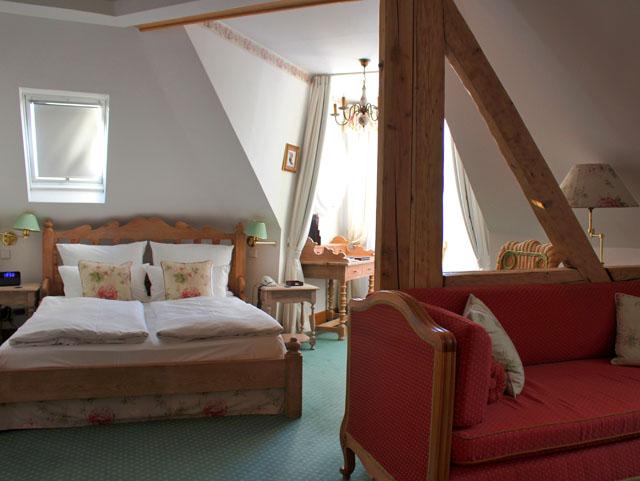 Iluminado e amplo quarto no  Hotel Der Kleine Prinz