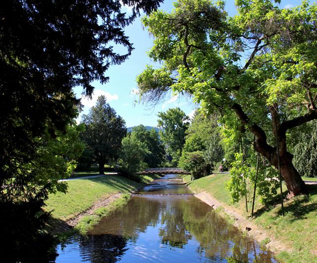 O belíssimo rio Oos, que corta Baden-Baden