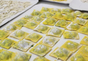 Resultado da nossa aula de pasta na Academia Barilla: tortelli di erbette, trofie e linguine