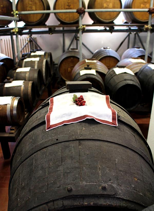 Produção de Aceto Balsamico Rradizionale di Modena D.O.P. na Acetaia San Donnino. Mínimo de estágio em madeira? 12 anos. Isso sim é artesanato gastronômico