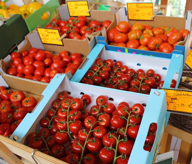 Os tomates sensacionalmente lindos e doces do Hofmarkt Schoßberghof Minfeld