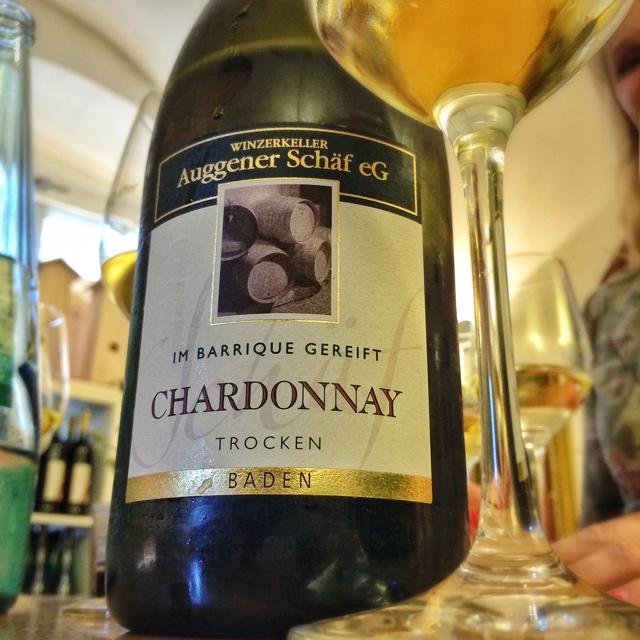 TREMENDO Chardonnay alemão. Uma degustação na Alte Wache, loja dedicada aos vinhos da região de Baden, é obrigatória para quem curte o assunto