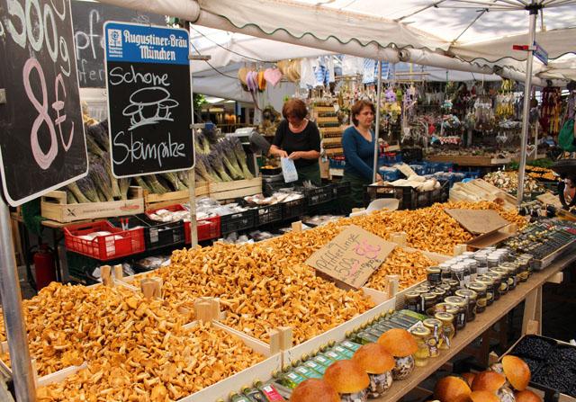 O lindo, cheiroso e tentador  Victuals Market, mercado de produtores que acontece todos os dias