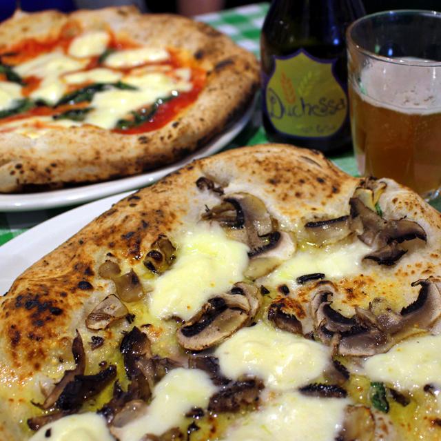 Pizza Pilgrims: ao estilo napolitano, com bela massa, saem de 5 a 9,50 libras (dependendo do sabor).