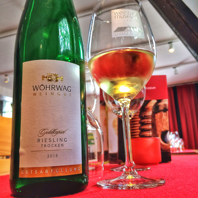 Rótulo alemão no Museu da Vinicultura: ali são feitas degustações para pequenos grupos conhecerem as uvas e vinhos da região
