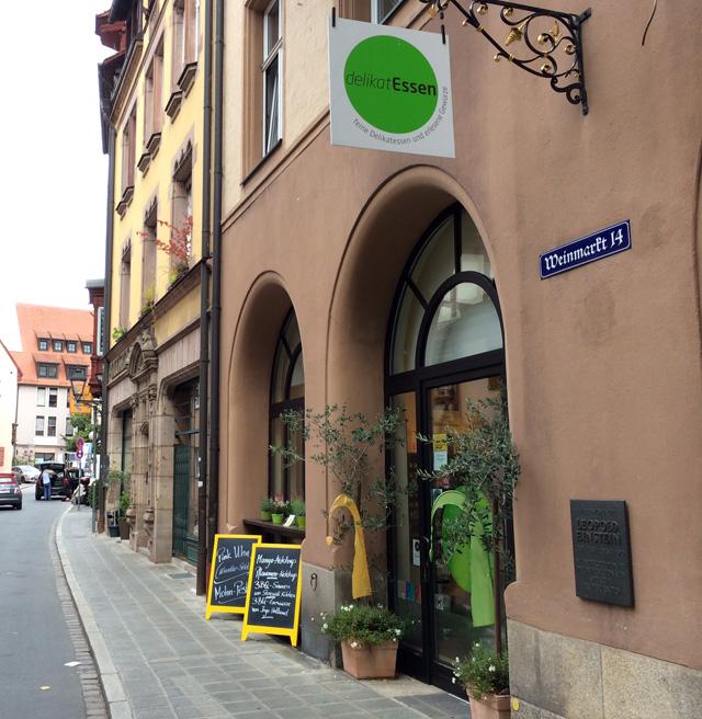 Uma das lojas mais deliciosas de Nuremberg: DeliKatEssen. Ali, só produtos especiais, vindos de pequenos produtores. De gin a chocolate.