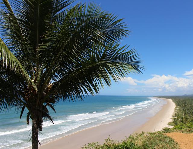 Uma das dezenas de praias da Costa do Cacau
