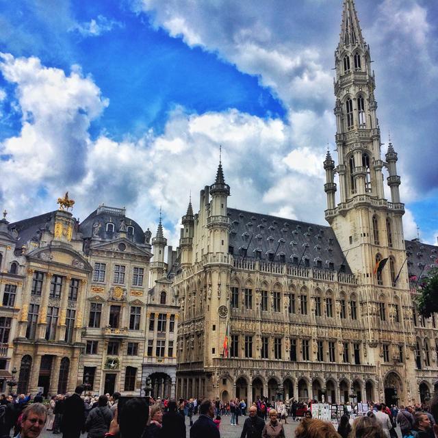 Grand Place, em Bruxelas: linda e sempre repleta de turistas