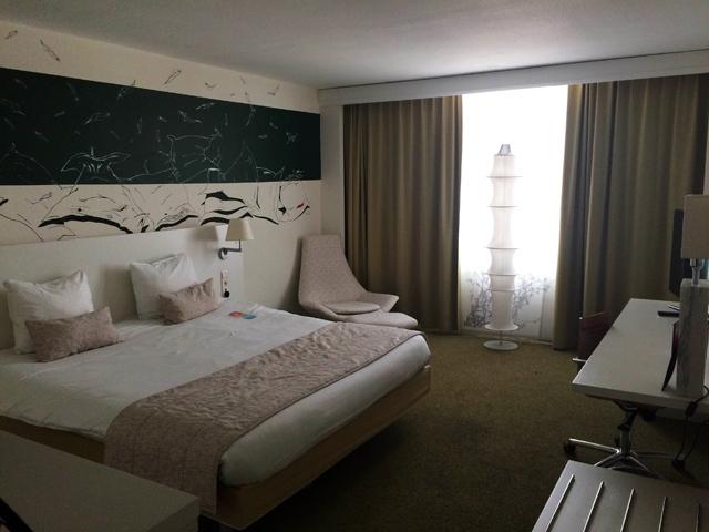 Quarto amplo do bem localizado Hotel Bloom