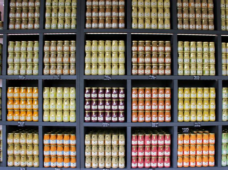 """A""""pequena"""" variedade de mostardas Dijon da Edmond Fallot Moutardie em... Dijon, claro"""