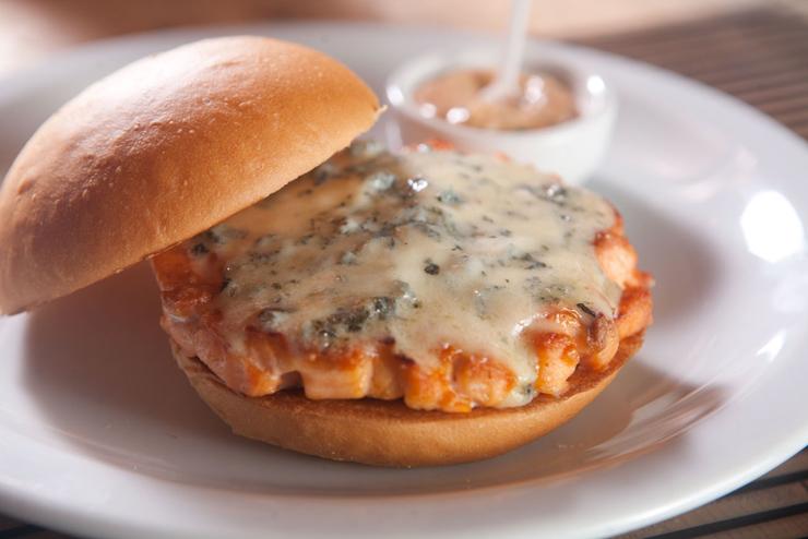 Burger de salmão com gorgonzola da Hamburgueria Nacional
