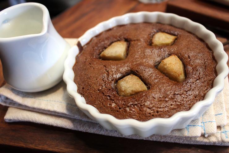 Torta della nonna: chocolate, ricota e pera
