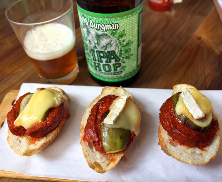 No novo Cateto Pinheiros: Bruschetta de sobrasada com queijo Flor de Mandacarú/Vaca (PE), figo e mel