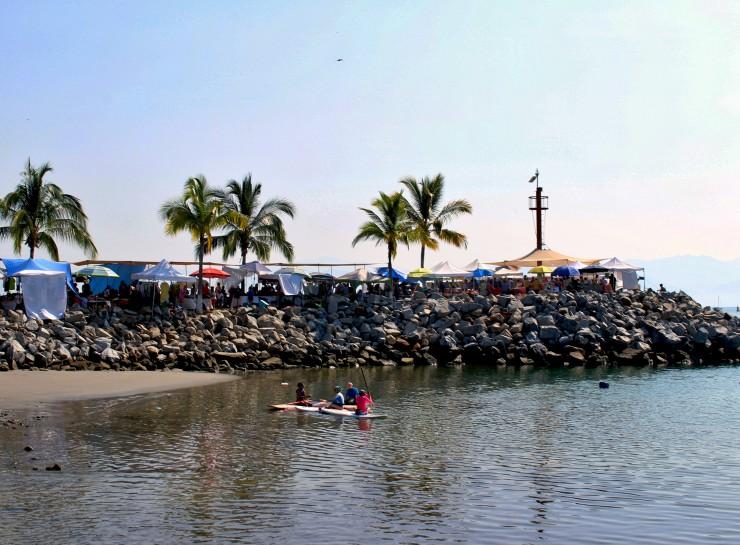 Mercado de La Cruz de Huanacaxtle visto da Marina