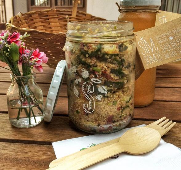 Salada de lentilhas, maçã, uva passas, pepino e manjericão, da nova Casa S, da SSimplesmente