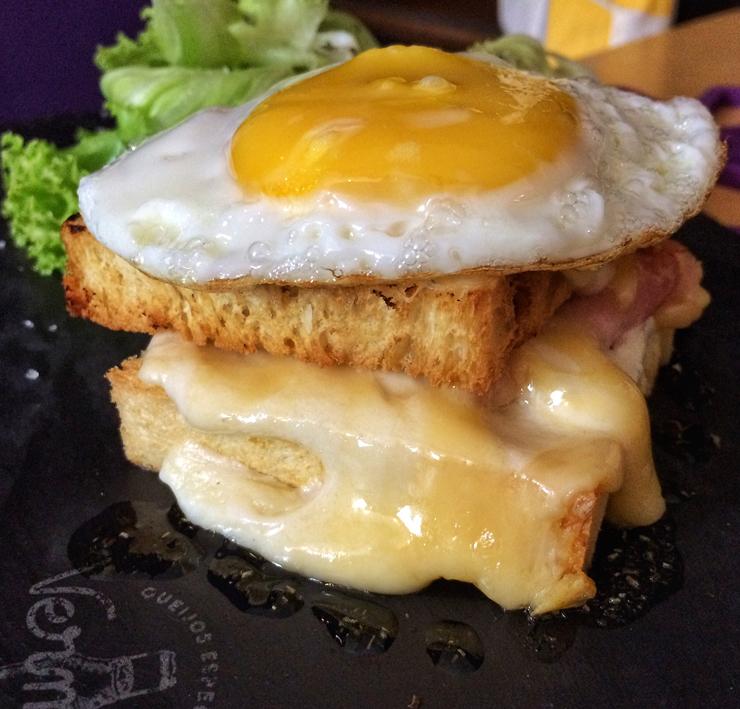 Croque Madame: opção de café da manhã no Sweet Café