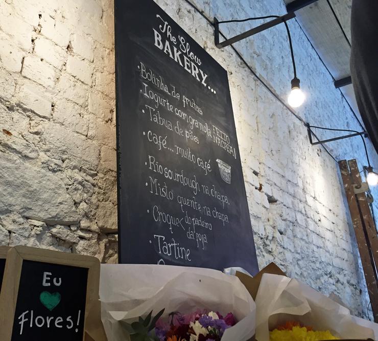 Ambiente do café da The Slow Bakery, em Botafogo