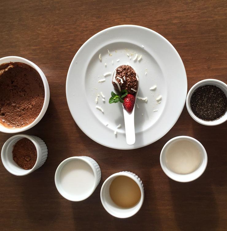 Aula de cozinha no Kurotel: aprendendo a fazer o delicioso mousse de chia com cacau. CLique aqui para receita.