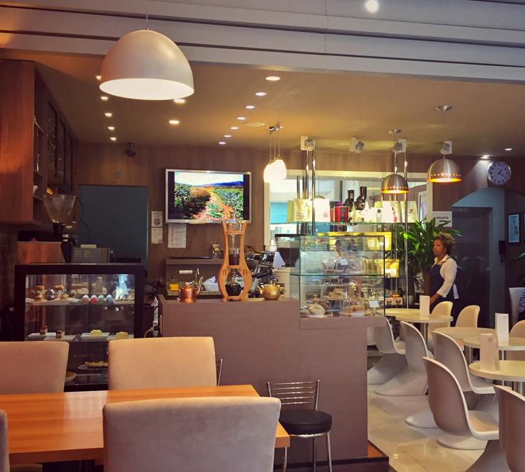 Ambiente da UM Coffee. Co, no Bom Retiro