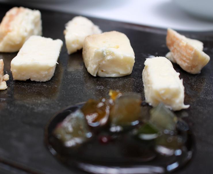 Gorgonzola Dolce com mostarda Di Cremona (R$ 35) no novo menu do Attimo