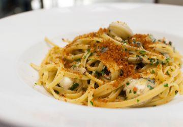Spaghetti ao vôngole, pimenta calabresa e Bottarga do novo menu do Attimo