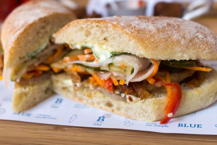 Sanduba de porchetta do Blue Sandwich Market: pele lindamente pururucada