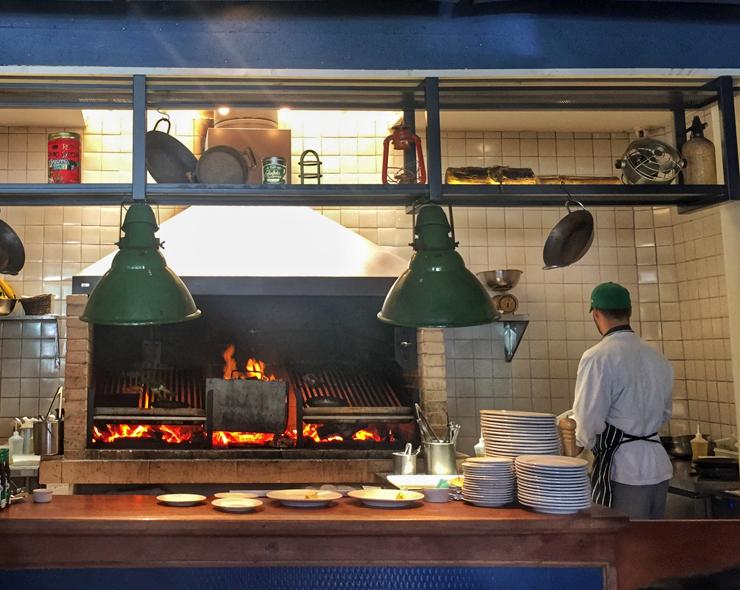 A grelha, a atração principal do Cozinha 212