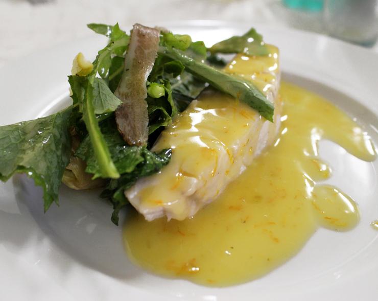 Prato principal do Capivara: prejereba, que ganharam untuosa manteiga de limão e vegetais da estação grelhados.
